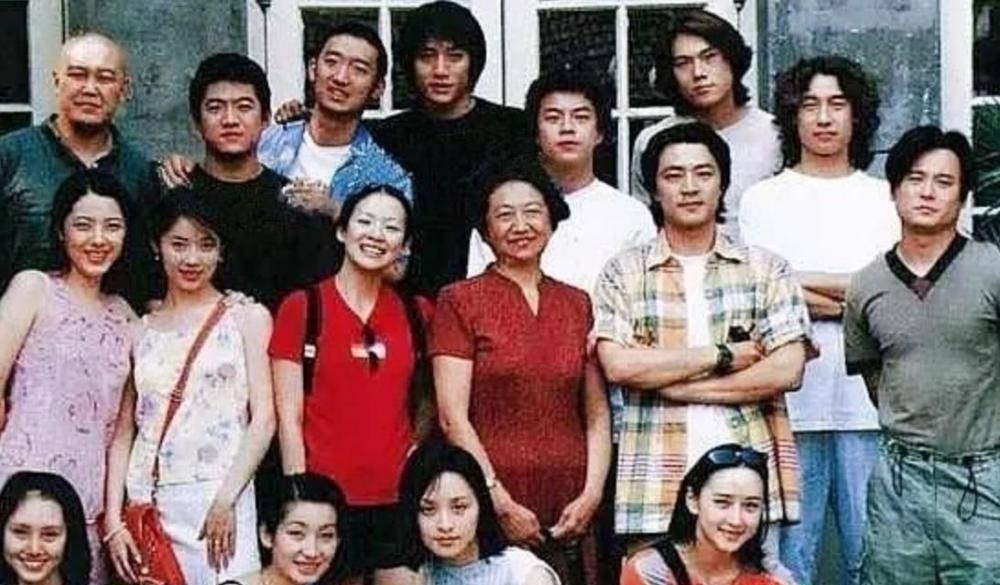 秦昊的四位同班同学,前三位混成一线巨星,唯独最美的她被人遗忘