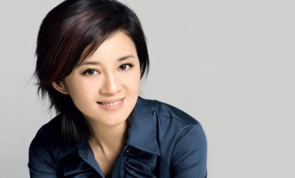 她本是倪萍接班人,却因品行不佳被央视开除,如今51岁自食其果