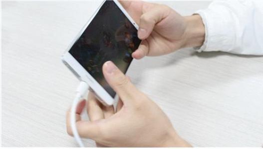 如何给手机正确充电?一次性充到100%,低于20%再充,很多人都错了 数码 电池 手机 手游热点  第4张