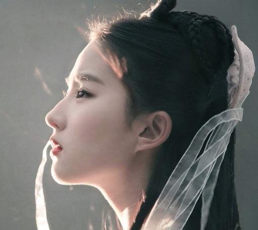 """因出演古装剧被誉为""""天下绝美""""的女演员, 刘亦菲第一, 小鞠上榜"""