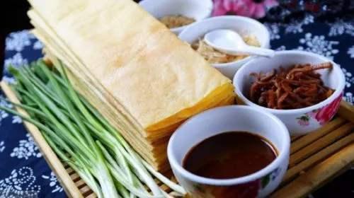 山东人为什么喜欢吃煎饼卷大葱?