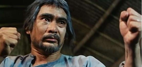 73岁老戏骨,38年后再次出演《奇门遁甲》,不用替身太敬业