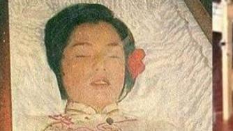 翁美玲自杀,遗体为何用5层锡纸包裹?多年后,法医道出意外内幕