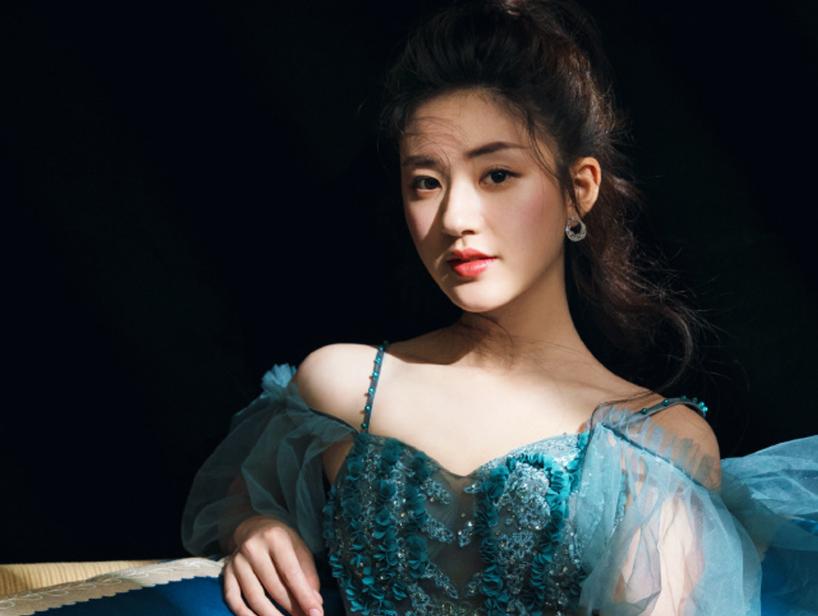 当红小花电视剧一同上线,吴倩赵露思同是女主,你更看好谁?插图8