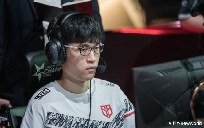 "zuo爱_韩国《英雄联盟》选手声称""死了的中国人才是好中国人"",被罚400万"