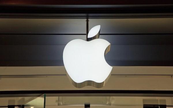 2020年买华为还是选苹果?手机店老板给出分析,建议很中肯