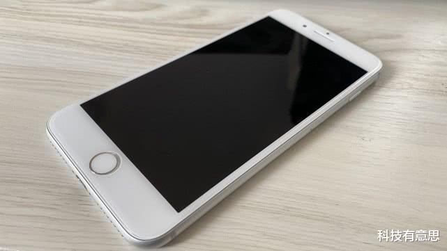 为啥很多果粉不愿换新机?用上修好的iPhone8P后终于领会了