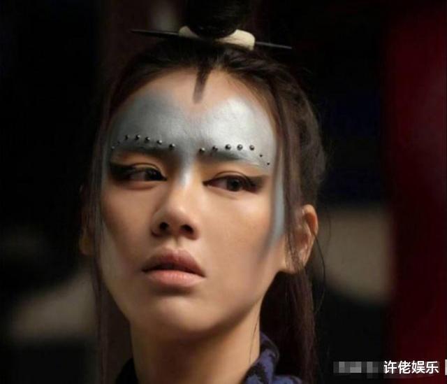 """那些选错造型师""""毁一生""""的明星,刘亦菲上榜,罗云熙丑到认不出"""