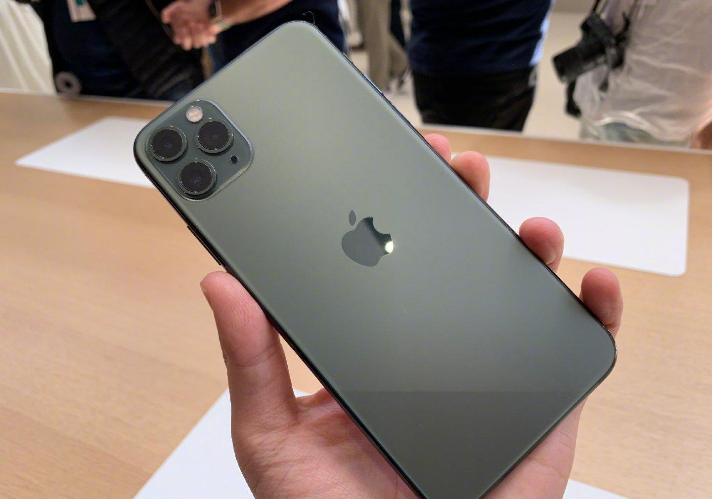 苹果手机很好,但是内行人建议别买这四款,上手就吃亏!
