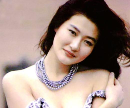 18年前,29岁陈宝莲纵身一跃,留下生父未知的婴儿今像极了黄任中插图26