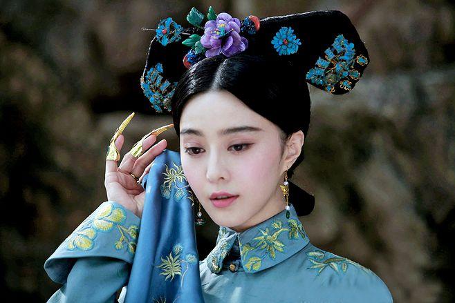 因太懒不愿试戏,将华妃一角拱手让给蒋欣,如今蒋欣火了她后悔不已