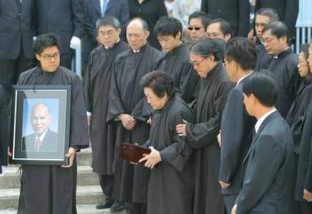 霍英东原配夫人病逝享年97岁,霍启刚证实奶奶安详离世,将与爷爷合葬