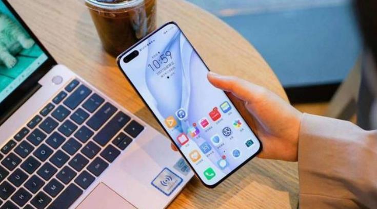 华为新系统发布时间定档,流畅度比肩苹果iOS,49款手机集体升级