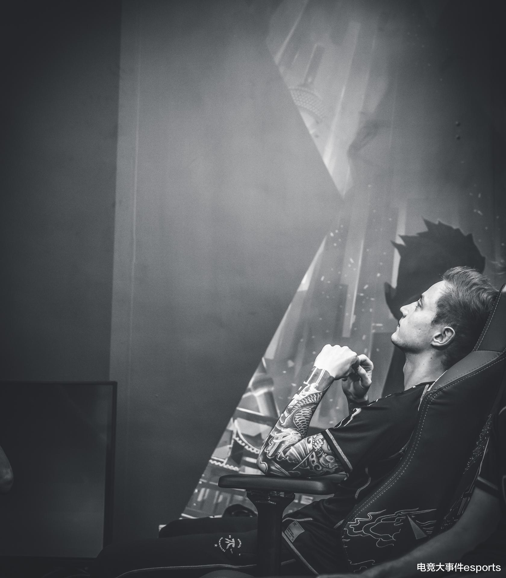 一年前的今天,Uzi职业生涯的谢幕战梦断S9!Rekkles突破心魔泪洒舞台插图(6)