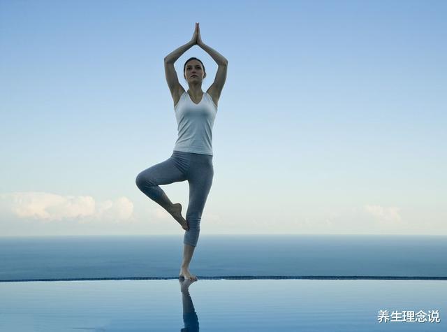 春之养生:4个瑜伽体式帮你排除毒素,收获好身材