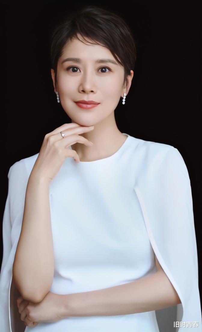 """""""国民媳妇""""海清:出身名门,隐瞒富豪丈夫12年,儿子成她骄傲"""