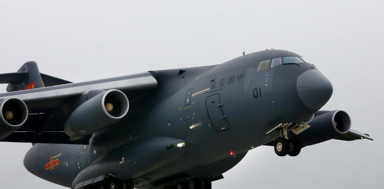 72iii.com_运20满载大批战车飞越边境,印指挥官如坐针毡,俄:这次动真格了