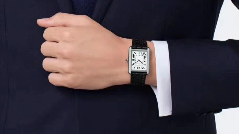 仪表不凡复刻表:V9卡地亚坦克系列男装腕表细节评测,男人三十岁左右首选的正装腕表