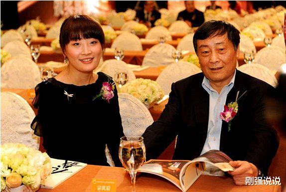 泡泡战士韩服下载_娃哈哈董事长女儿宗馥莉:身价千亿至今未婚,现父亲为她公开征婚