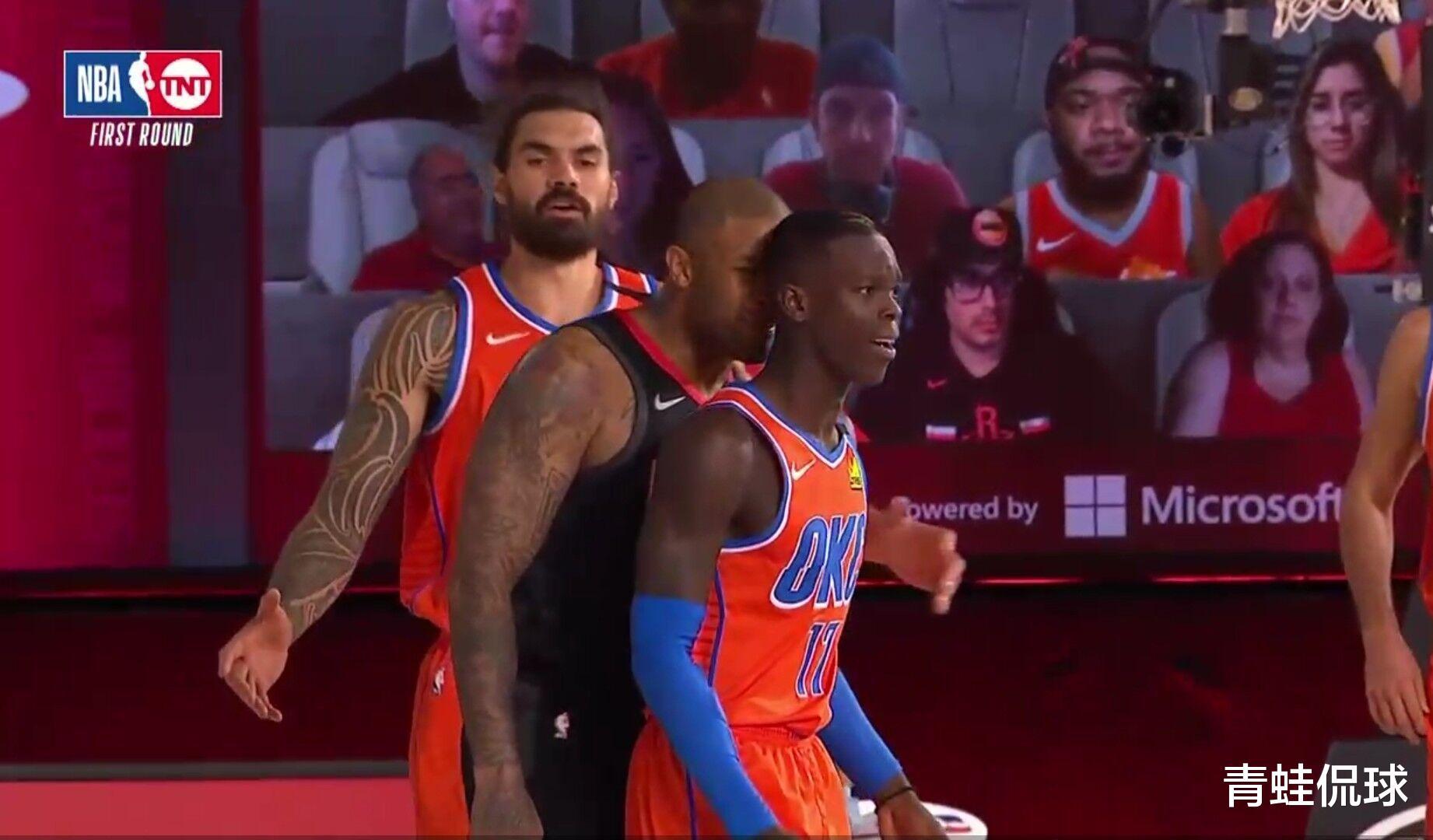 保罗又肘击神龟裆部,NBA忍无可忍播放保罗和施罗德袭裆集锦