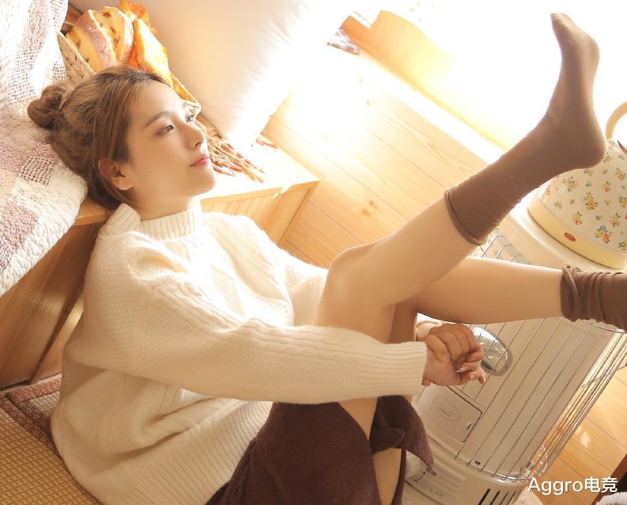 《【煜星娱乐登录注册平台】490W粉丝梦碎!LPL女解说Rita为恰饭曝光素颜,铁粉当场取关》