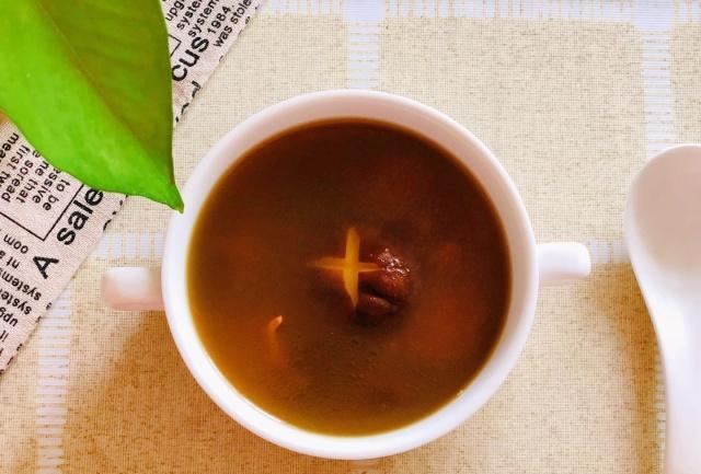 夏天最是适合喝汤,尤其是这种汤,方法简单,营养很高!