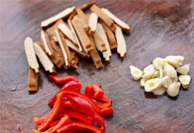 大白菜炒香干,又一道简单的快炒,清香味美,开胃又下饭 菜谱 美食 单机资讯  第2张