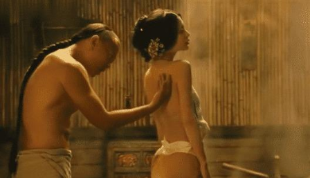 """杨颖""""牺牲最大""""的电影,""""穿肚兜""""出境堪称经典,看了20遍都不过瘾!"""