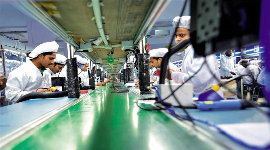 """苹果生产线全部转移印度?大量工厂从华撤离,现实狠狠给了库克""""一耳光"""""""