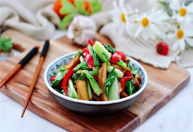 大白菜炒香干,又一道简单的快炒,清香味美,开胃又下饭 菜谱 美食 单机资讯  第1张