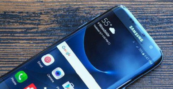 """为新品让路的旗舰手机,这3款即将进入""""冰点价"""",现在入手最划算"""