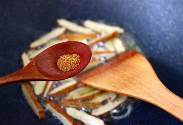 大白菜炒香干,又一道简单的快炒,清香味美,开胃又下饭 菜谱 美食 单机资讯  第3张