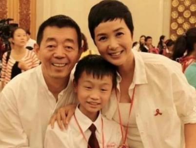 蒋雯丽将外甥女捧成影后,却很少提儿子,看了她儿子照片:难怪!