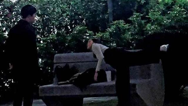 26岁女星被曝出轨!与鲜肉帅哥当街搂抱,第二天又和大6岁男星偷偷约会!