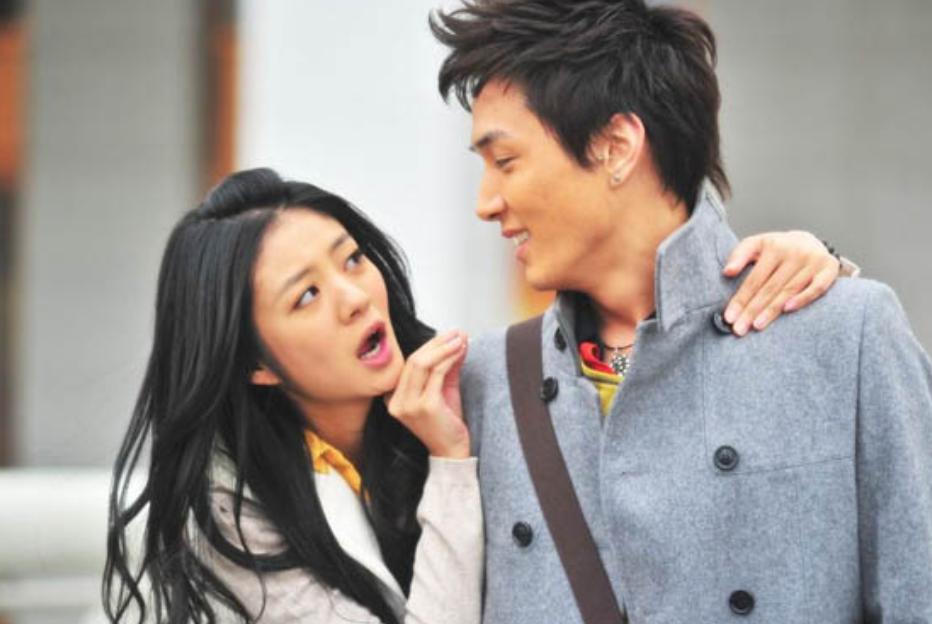 李承铉当年那么爱安以轩,为何最后却选择了戚薇?背后原因太现实
