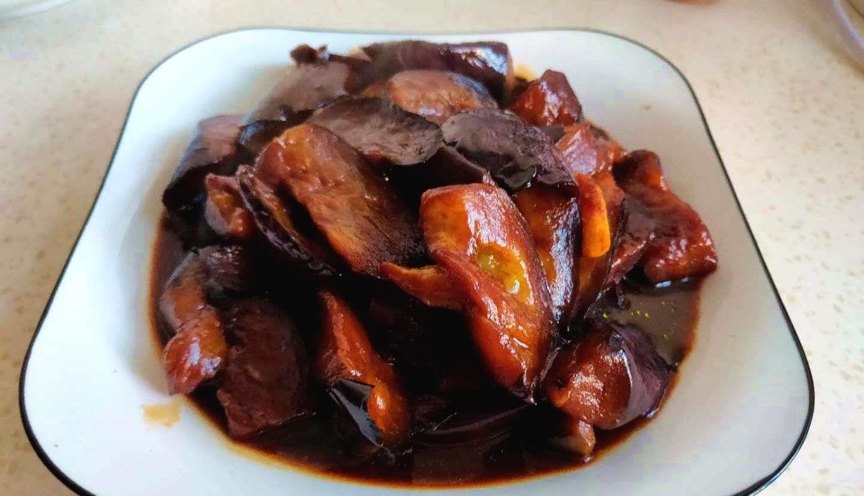 红烧茄子好吃有诀窍,加点它,香鲜爽口软烂入味,一家老小都爱吃