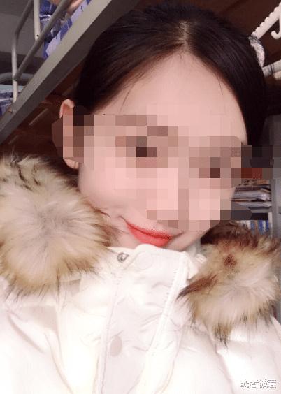 19岁校花私生活曝光,惨遭无情驱逐,网友:不是校花是烂花!
