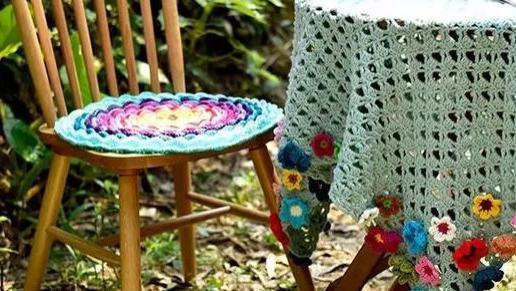 时尚辣妈教你动动手指就能编出美美的坐垫