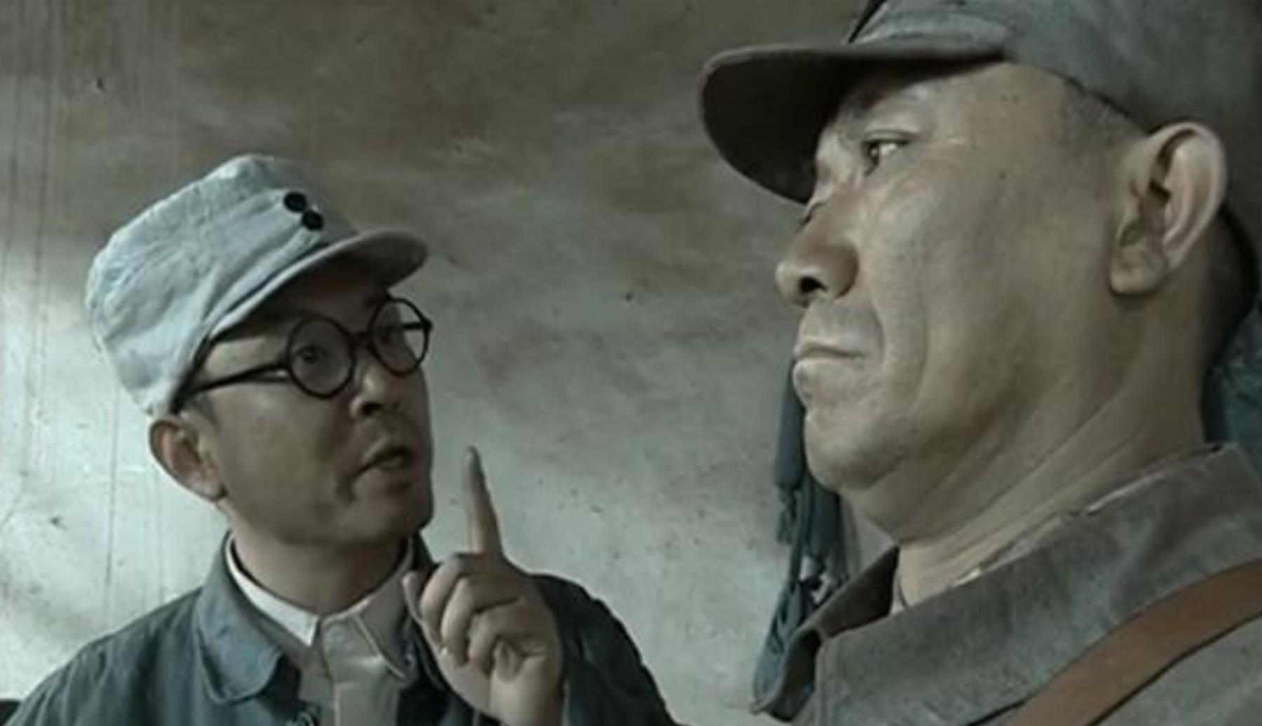 天空彩票_亮剑:李云龙为什么看见旅长就秒怂?绝非官大一级压死人那么简单