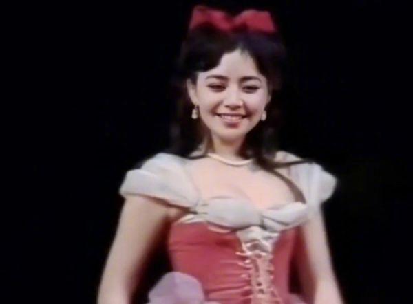 宋丹丹为何敢说杨紫不漂亮?看到她年轻时的长相,还以为看到了热巴