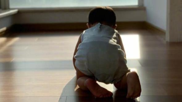 宝宝翻身爬行……要教?专家:要。4种自主训练法促进孩子身心发育