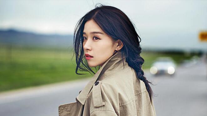 【鬼马精灵】阚清子,真的长发造型美腻天际,她还是位穿搭小天才呢!
