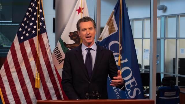 加州疫情领跑美国,治安官与州长公开作对:我们不会再执行封锁令