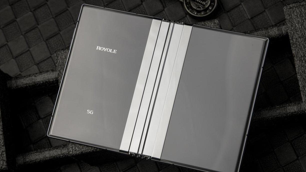 先驱者能否继续领跑折叠屏未来?柔宇FlexPai 2评测