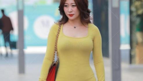 黄色开叉连衣裙,清爽舒适,尽显好身材