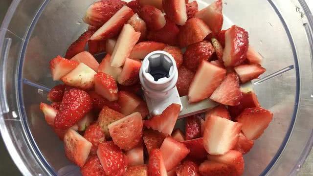 草莓版椰蓉小方,冷藏定型最关键,Q弹还带颗粒感