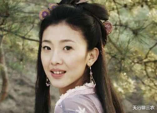她是郑爽的老师,因1米82身高接不到戏,在最红时嫁给《爱情公寓》的他