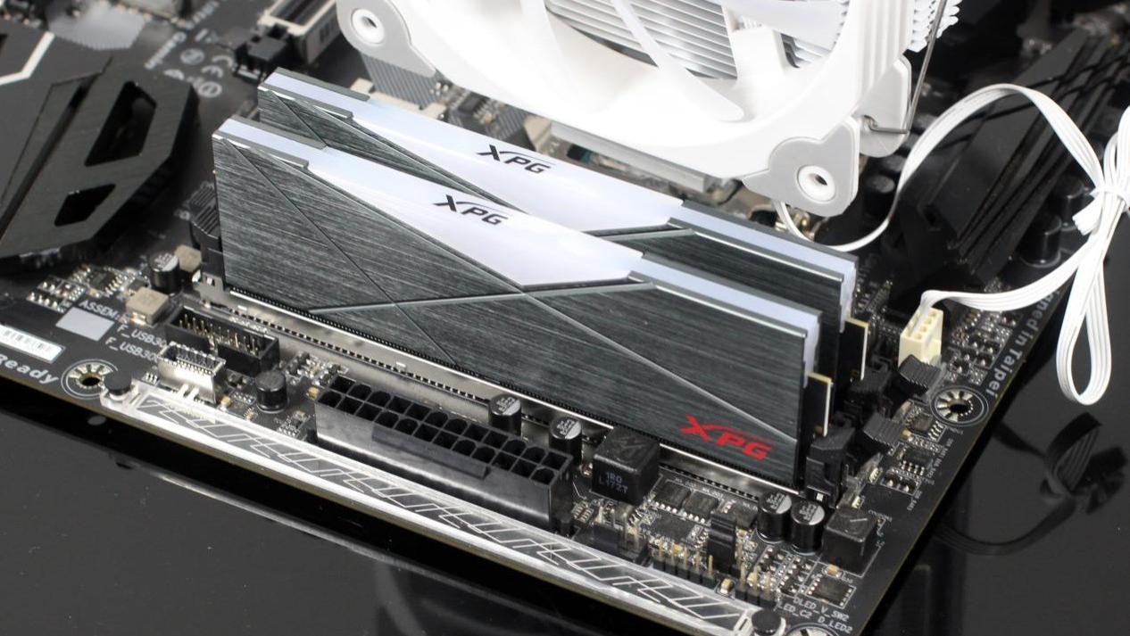 XPG龙耀D50 3600重装铠甲内存评测:玩灯玩超频它在行