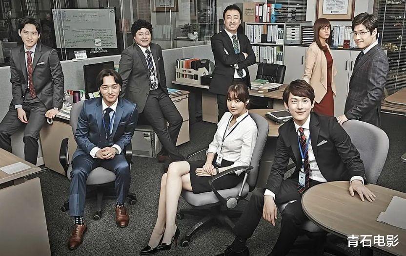 韩国新出的爽剧,豆瓣从9分一路涨到9.4,要预订年度韩剧的势头
