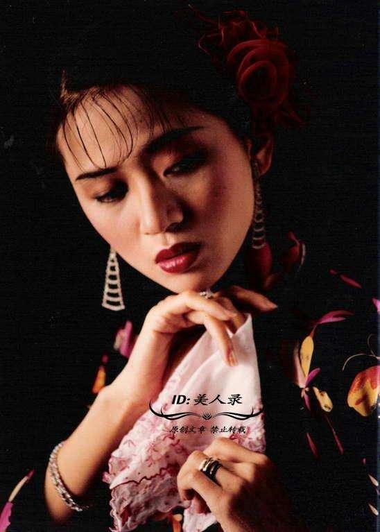 """全球华人举办个人演唱会最多场次的""""百变歌后"""",歌迷以其名命名小"""
